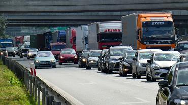 Zderzenie samochodu osobowego z ciężarówką na moście Grota-Roweckiego, 25.07.2019