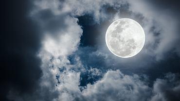 Burzowa pełnia księżyca 2020 przypada na weekend 4-5 lipca