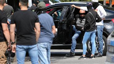 Kraków , al. Jana Pawła , parking pod M1. Akcja Policji przeciwko handlarzom narkotyków