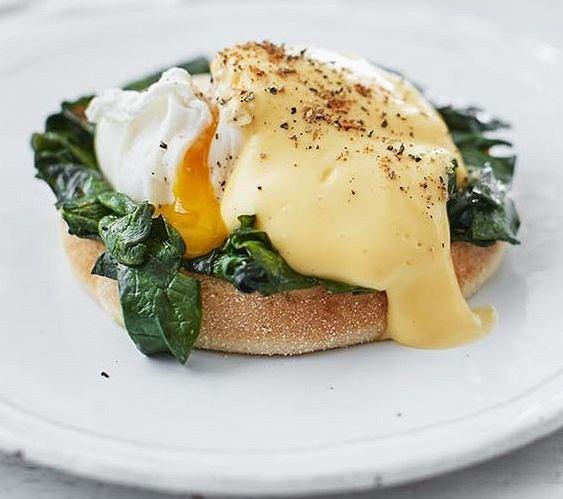 Jajka ze szpinakiem