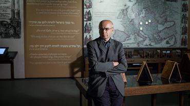Prof. Dariusz Stola w Muzeum Historii Żydów Polskich.