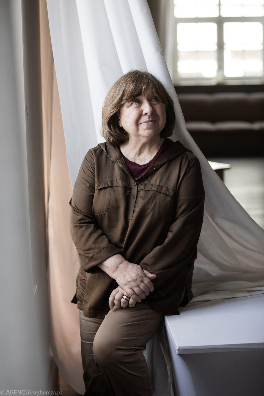 Zdjęcie numer 2 w galerii - Swietłana Aleksijewicz: Gdyby kobiety rządziły, nie lałaby się krew