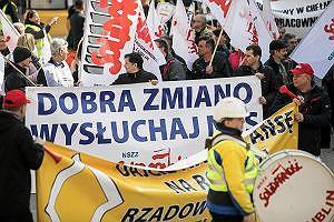 Emerytury stażowe zostały pracownikom obiecane przez prezydenta Dudę