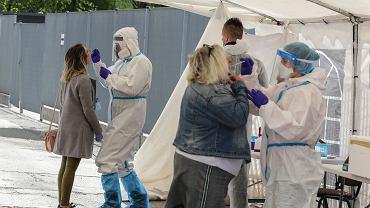 Ekspert o rekordzie zakażeń koronawirusem w Polsce: U nas odsetek przebadanego społeczeństwa nigdy nie przekroczył sześciu procent. To dramatycznie niski wynik