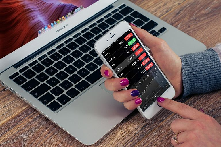 Bankowość internetowa i mobilna - oto, jak być uważnym w sieci!