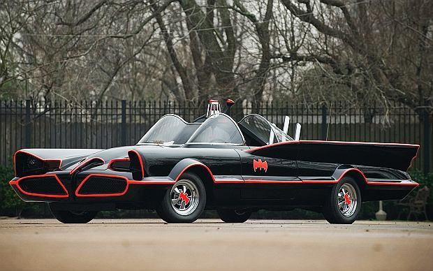 W 1966roku George Barris kupił Lincolna i przerobił go dla serialu telewizyjnego o Batmanie na Batmobila