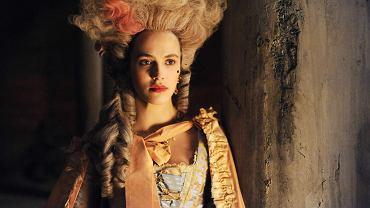 Rozpustnice. Tak nazywa się brytyjski serial o Margaret Wells, właścicielce burdelu w Londynie u schyłku XVIII w., która stara się o jak najlepszą przyszłość dla swojej córki (Jessica Brown Findlay)