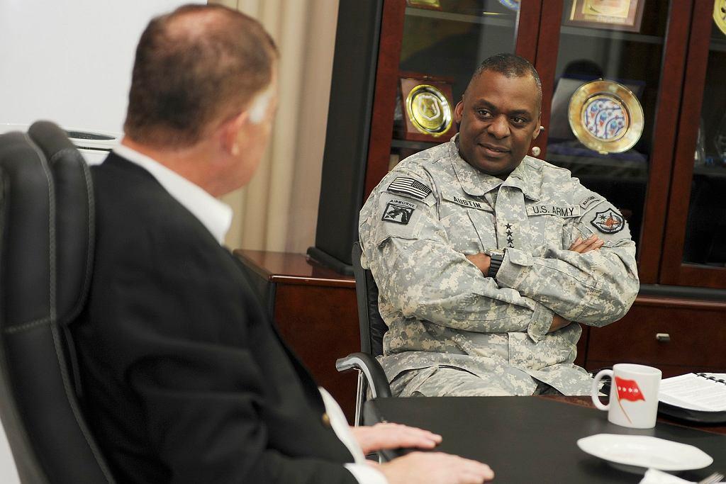 Generał Lloyd Austin jako dowódca sił USA w Iraku