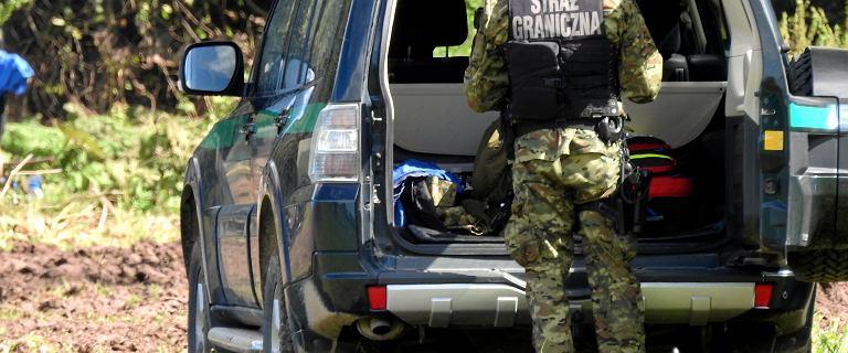 Pościg w Siemiatyczach na Podlasiu. Media: 31-latek przewoził Irakijczyków