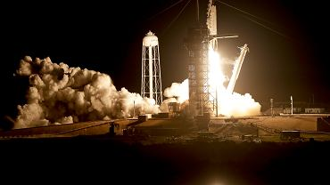 Kapsuła Crew Dragon dotarła na Międzynarodową Stację Kosmiczną