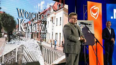 Wojciech Kałuża podczas inauguracji kampanii przed wyborami 2018 obok Borysa Budki