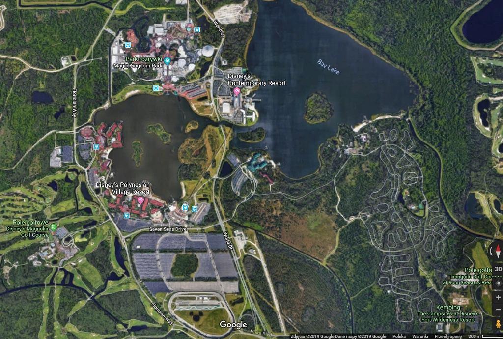 Discovery Park znajduje się na wyspie na środku jeziora Bay Lake.