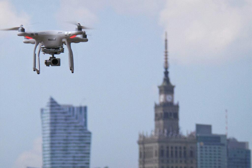 Dron w Warszawie