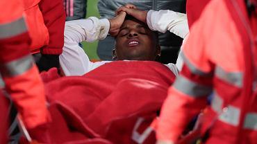 Rodrygo z Realu Madryt po doznaniu kontuzji w meczu z Granadą