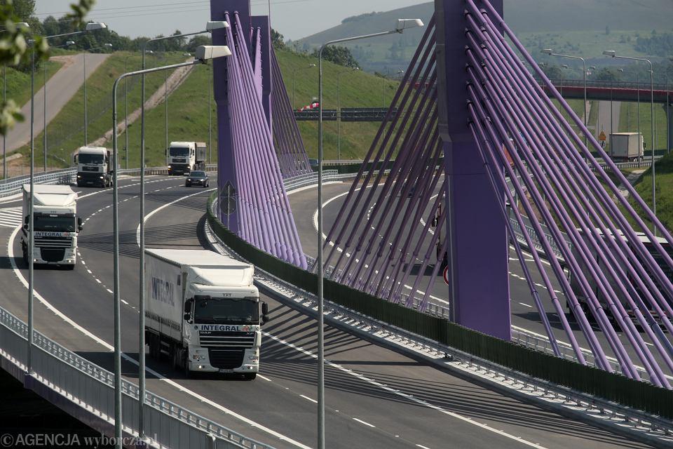 Nowo otwarty wiadukt na autostradzie A1 w Mszanie