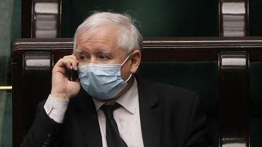 Jarosław Kaczyński w sejmowych ławach. Warszawa, 6 maja 2020