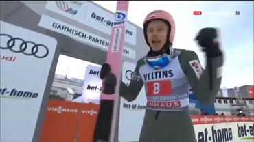 Dawid Kubacki cieszy się po rekordowym skoku w Ga-Pa