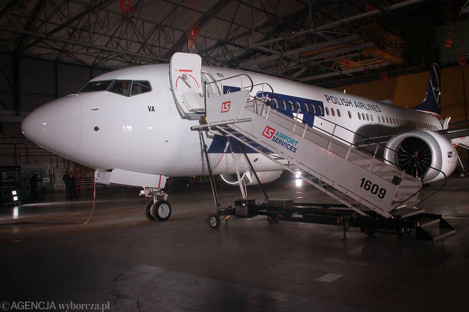 Boeing 737-8 MAX w barwach PLL LOT