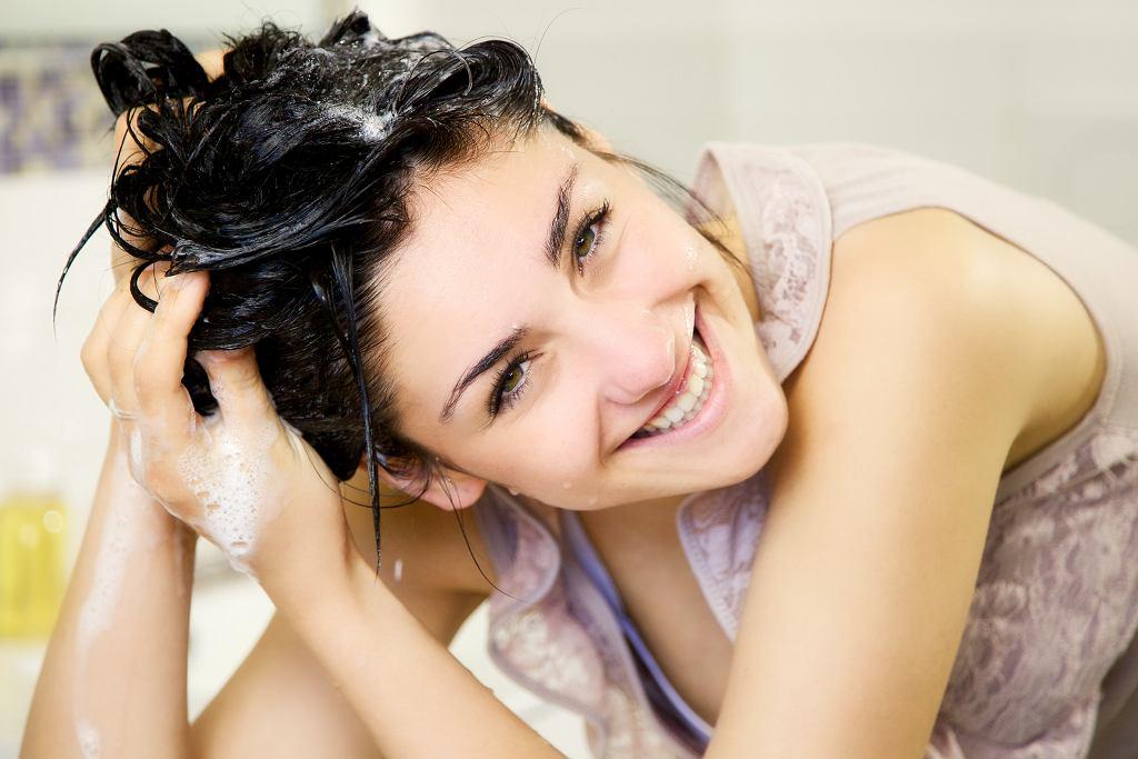 Nigdy nie wylewaj wody po makaronie, użyj jej do płukania włosów. Efekt cię zaskoczy