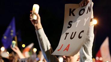 Kraków, lipiec 2017. Protest pod Sądem Okręgowym przeciwko reformie sadownictwa (fot. Mateusz Skwarczek / Agencja Gazeta)