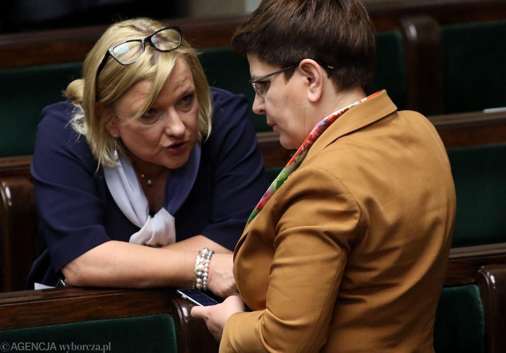 Szefowa kancelarii prezesa rady ministrów Beata Kempa i premier rządu PiS Beata Szydło
