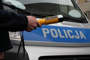14-latek zawiózł pijanego ojca na stację. Samochodem bez przeglądu pojechali po skrzynkę piwa