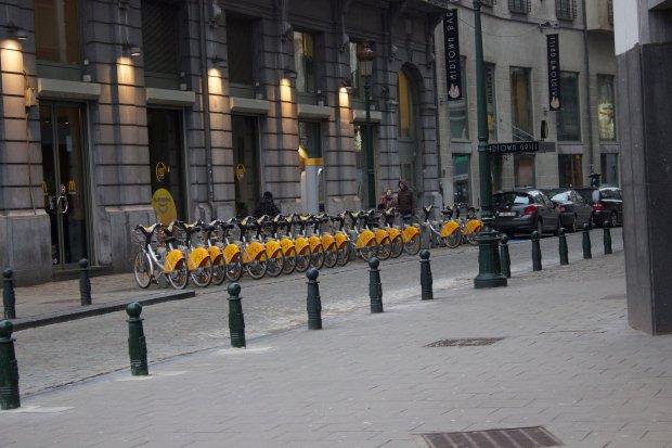 Rowery systemu wypożyczalni publicznej w Brukseli