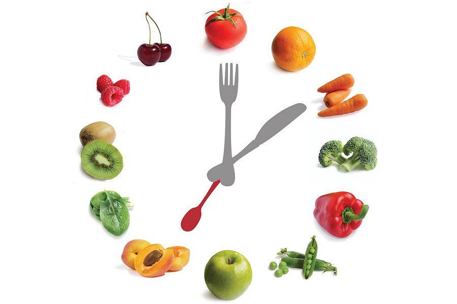 Idealnie sprawdza się zasada, aby zjeść ostatni posiłek około 2-3 godzin przed snem, aby organizm mógł go spokojnie strawić.