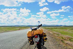 Motocyklem przez pustynię Gobi