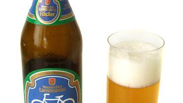 """""""Radler"""" po niemiecku oznacza """"rowerzysta"""". Nie dziwią więc rowerki na butelkach."""