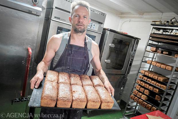 Piekarnia z Poznania nie chciała obsługiwać lekarzy. Ten piekarz zachował się zupełnie inaczej. I namawia innych do solidarności