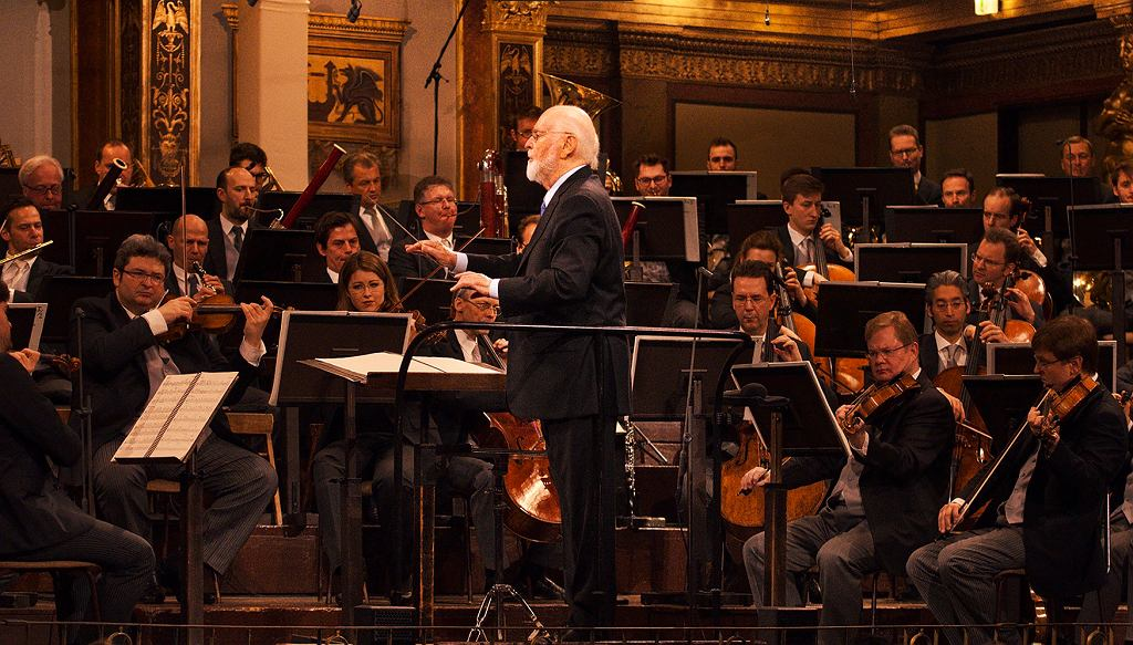 John Williams & Vienna Philharmonic - Williams: Imperial March (from 'Star Wars')