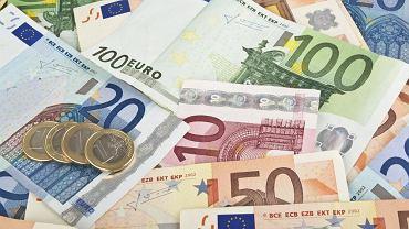"""Kolejne kraje Unii zastanawiają sięnad obniżeniem lub wycofaniem zasiłków na """"eurosieroty"""" - dzieci emigrantów zarobkowych"""