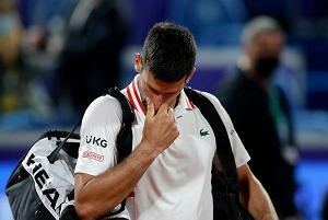 """Sensacyjna porażka Djokovicia w """"domowym"""" meczu! Drugi najdłuższy taki bój w karierze!"""