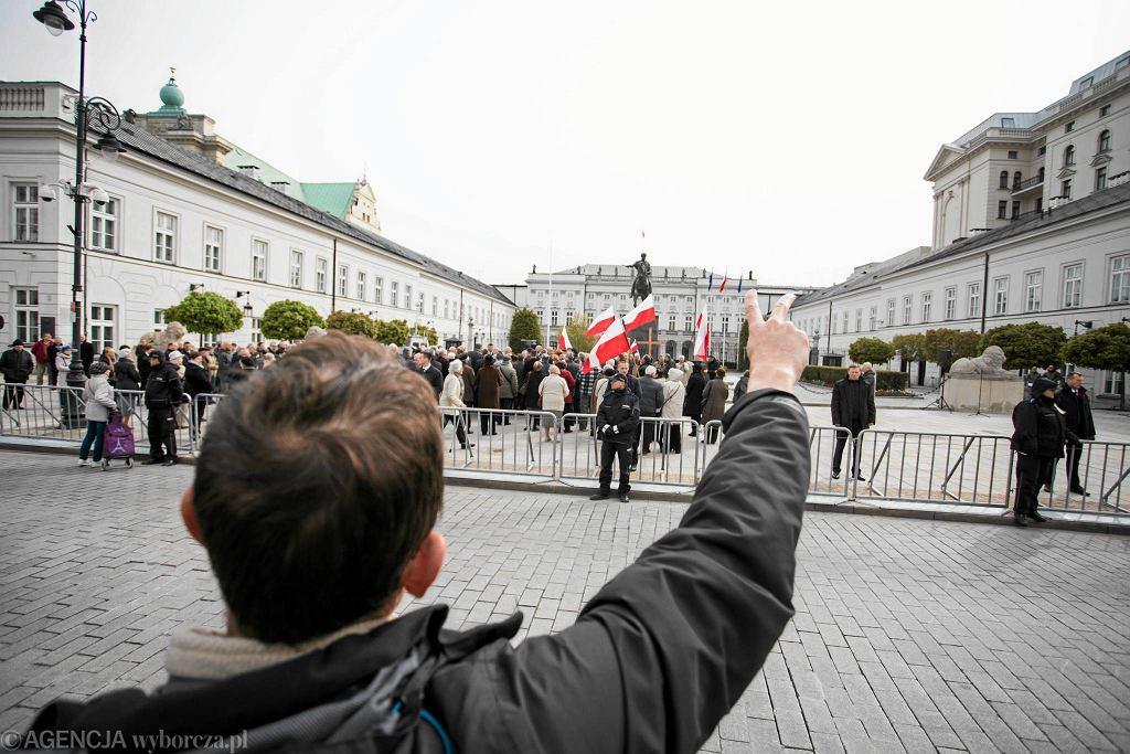 Miesięcznica smoleńska na Krakowskim Przedmieściu, 10.05.2017 r.