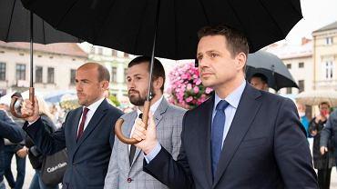 Borys Budka, Sebastian Kościelniak i Rafał Trzaskowski w Oświęcimiu.
