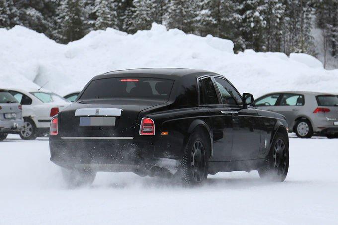 Rolls-Royce testuje SUV-a
