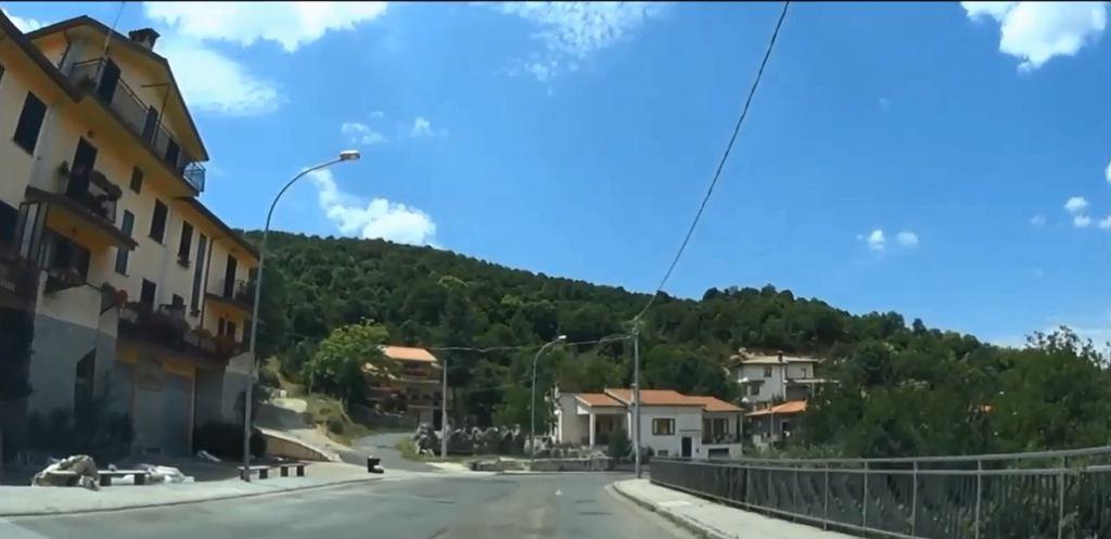 Tak wygląda miasto Ollolai na Sardynii, gdzie dom można kupić za jedno euro