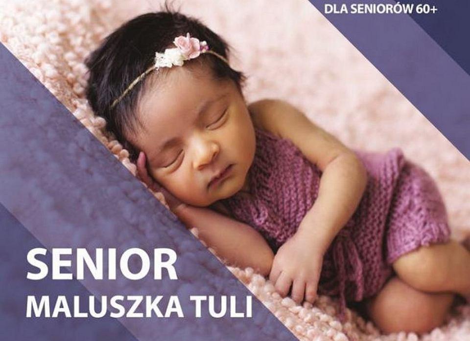 Senior maluszka tuli - akcja, w której seniorzy-wolontariusze pomagają przy noworodkach w szpitalu Raszei w Poznaniu