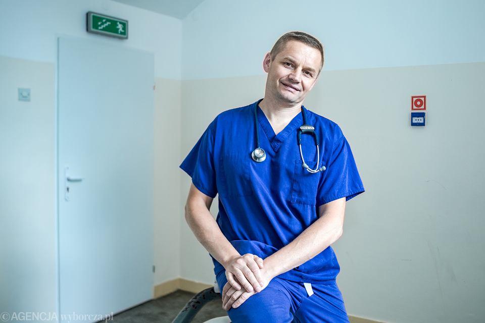 Wiktor Rolik, kardiolog. Samodzielny Publiczny Zespól Zakładów Opieki Zdrowotnej w Nowej Dębie