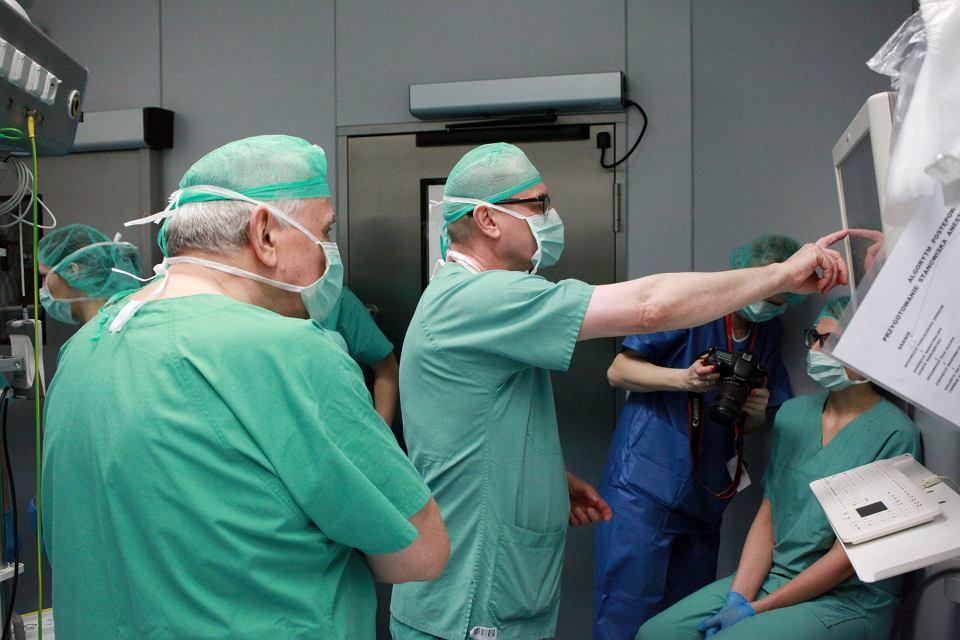 Zdjęcie numer 5 w galerii - Echolaser niszczy raka. Pierwsza taka operacja w Polsce [ZDJĘCIA]