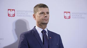 dKonferencja prasowa ministra edukacji narodowej Dariusza Piontkowskiego Bezpieczny powrt do szkl'