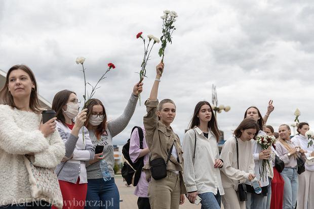 12.08.2020, Mińsk, protest kobiet przeciwko przemocy reżimu Łukaszenki
