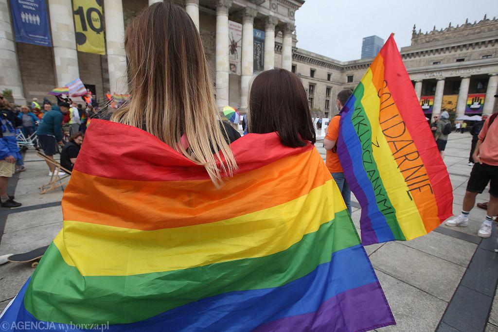 Wiec w Warszawie przeciwko nienawiści wobec osób LGBT