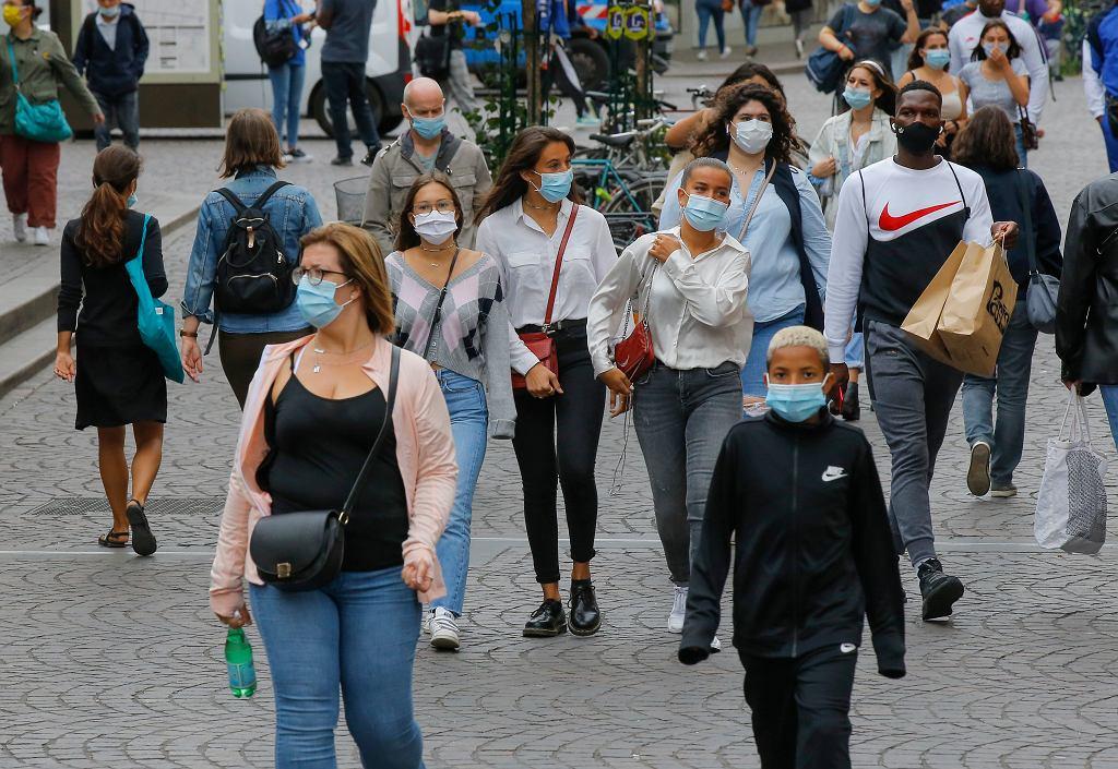 Koronawirus. Pogarsza się sytuacja we Francji. W piątek najwięcej zakażeń od początku pandemii