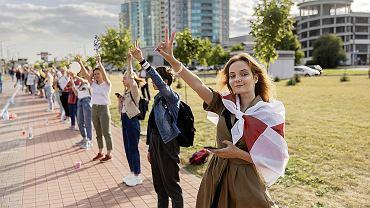 Protesty po sfałszowanych wyborach prezydenckich na Białorusi