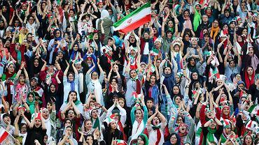 Irańskie kobiety na meczu z Kambodżą