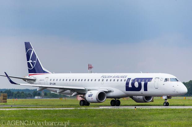 LOT zawiesza dwie trasy do Francji i Hiszpanii. Rzecznik wyjaśnia dlaczego