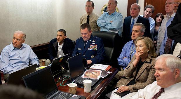 Obama ogląda obławę na Bin Ladena