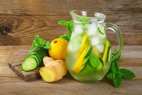 Do przygotowania sassy water wystarczy kilka popularnych składników.